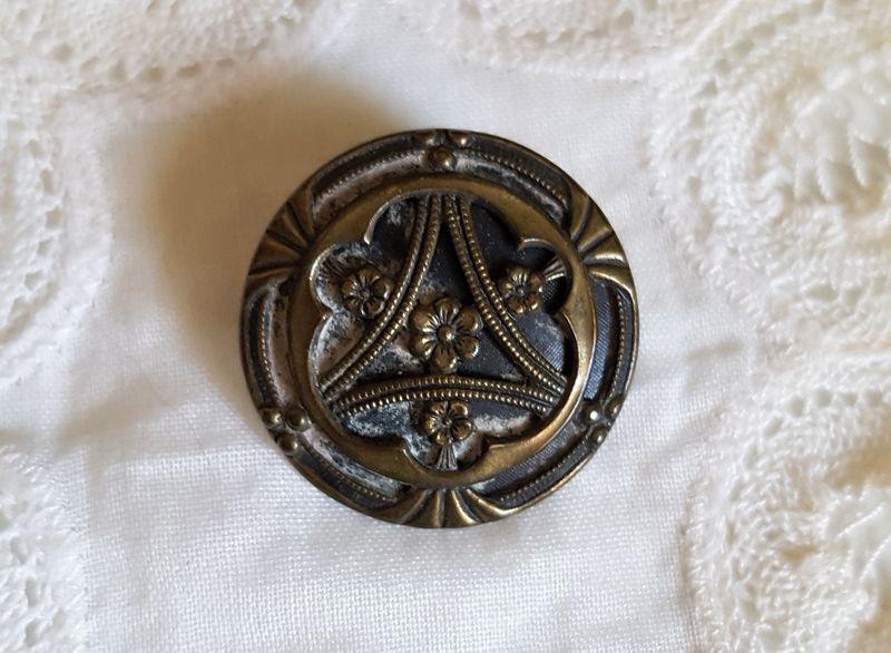 画像1: アンティーク アール・ヌーボー メタルボタン 27mm (1)