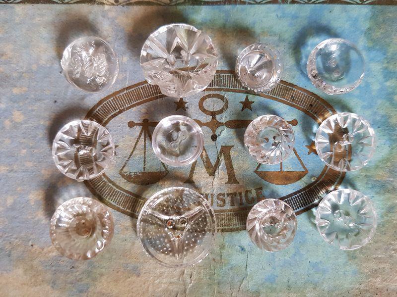 画像1: アンティーク ガラスボタン12個セットアソート (1)