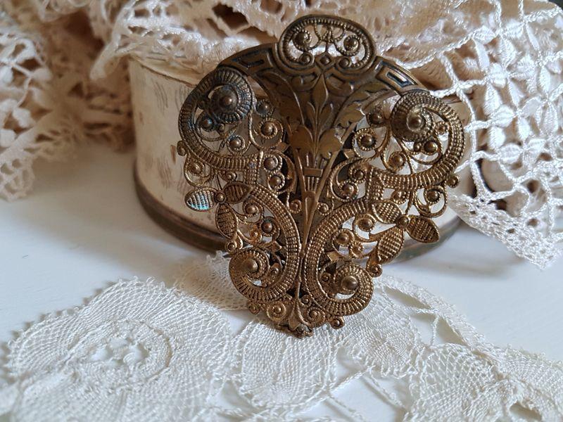 画像1: フランスアンティーク 真鍮製留め飾り (1)