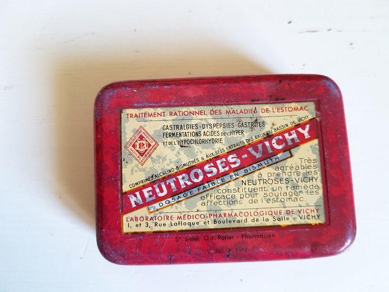画像1: フランスヴィンテージ レトロな赤いVICHYのTin缶 (1)