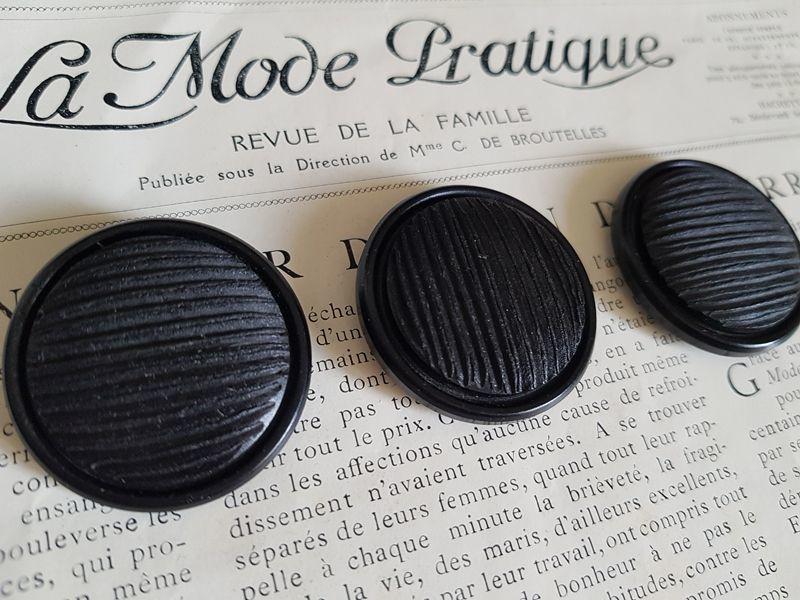 画像1: フランスヴィンテージ シックな黒いボタン34mm 3個セット (1)