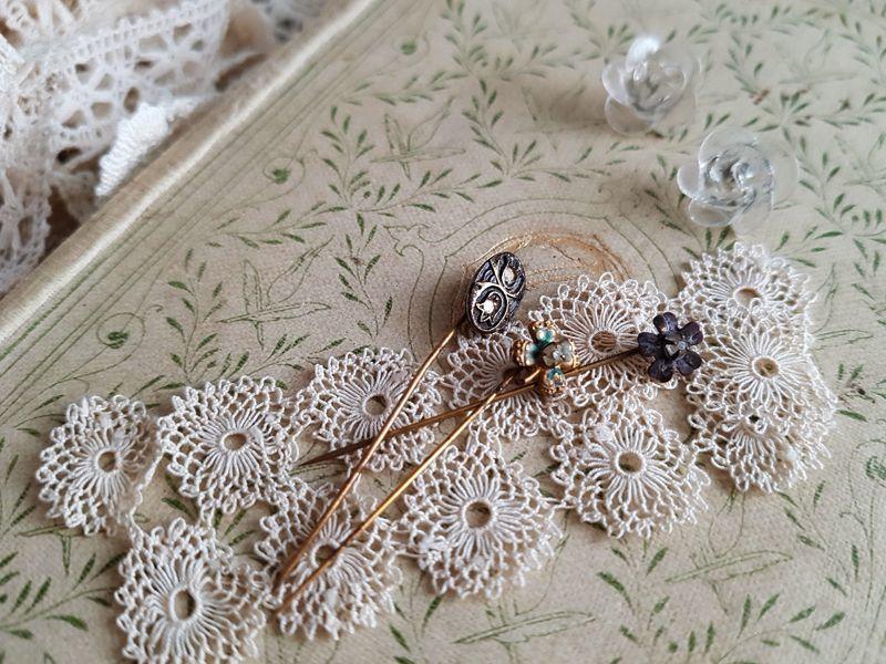 画像1: フランスアンティーク お花のエパングル (1)