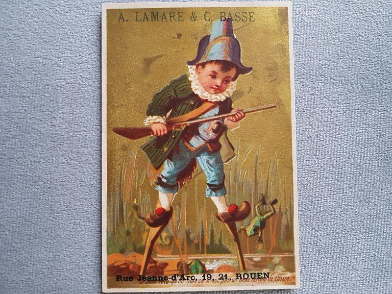 画像1: フランスアンティーク クロモ ナポレオン帽子を被り狩猟する少年 (1)