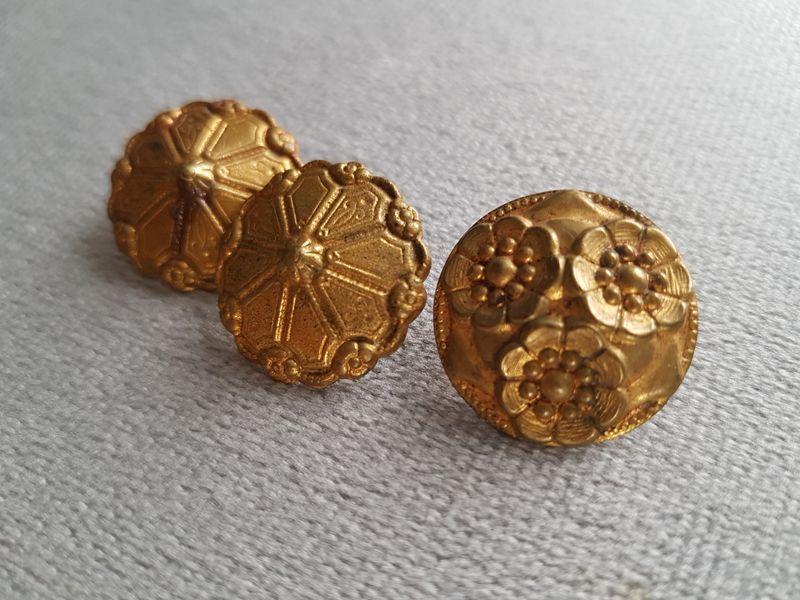 画像1: フランスアンティーク ゴールドメタルボタン20-21mm 3個セット (1)