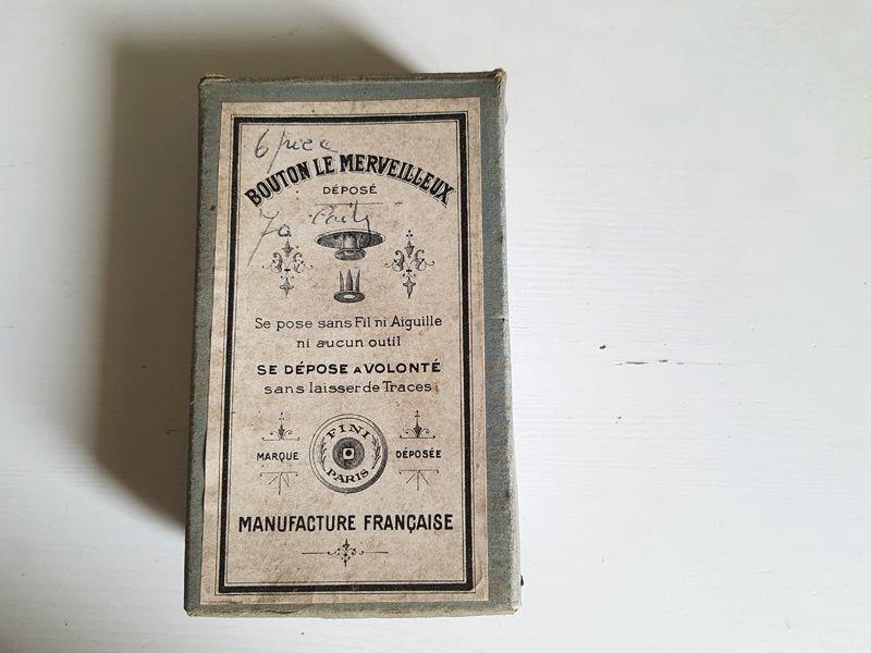 画像1: フランスアンティーク 箱入りメタルボタン BOUTON LE MERVEILLEUX (1)