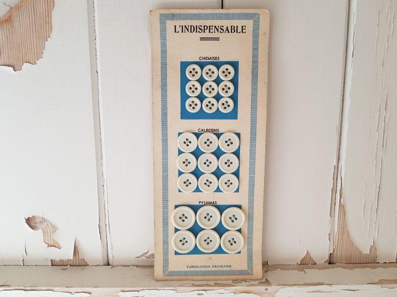 画像1: フランスヴィンテージ 3サイズのボタンシート L'Indispensable (1)
