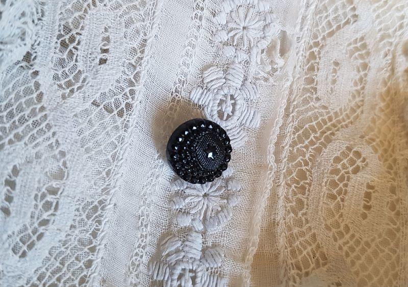 画像1: フランスアンティーク 極小 月夜のフレンチジェットボタン 9mm (1)