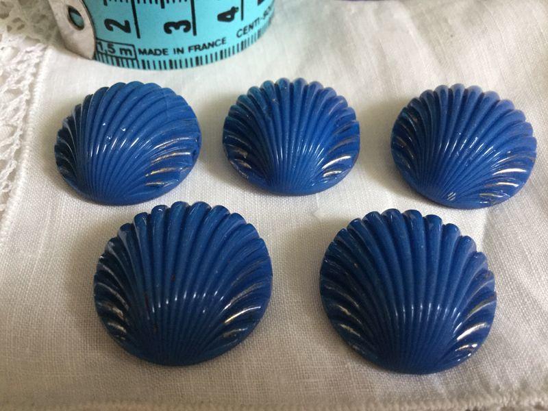 画像1: ヴィンテージ 青い貝のメタルボタン 21mm (1)