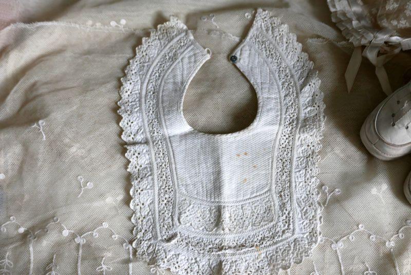 画像1: フランスアンティーク 白糸刺繍のお洒落なバボワール B (1)
