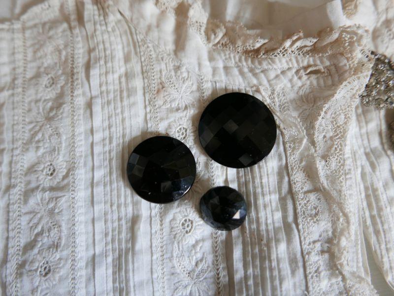 画像1: フランスアンティーク 1900年代フレンチジェットボタン カボション3個セット (1)