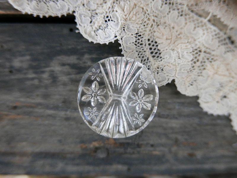 画像1: フランスアンティーク お花装飾ガラスボタン27mm (1)